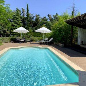 Gîtes, piscine, Provence